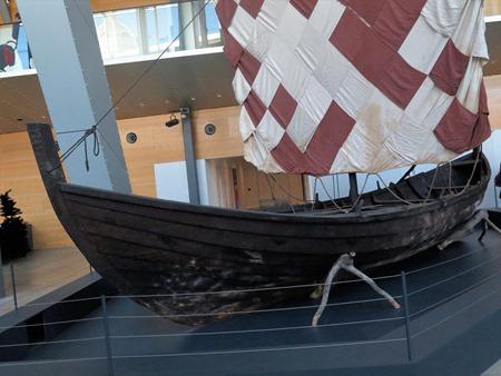 long boat 1
