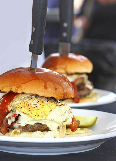Burger Brawl 2012 - chapman_s_mill_burger.jpg