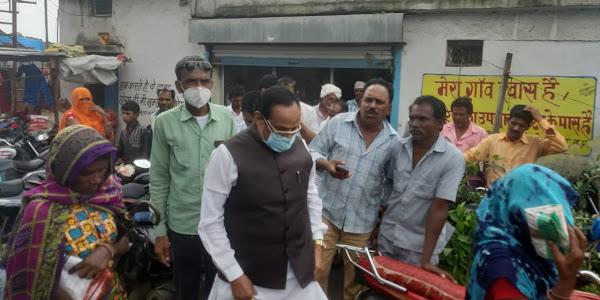 विधायक भूरिया द्वारा कल्याणपुरा सहकारी संस्था का निरीक्षण किया