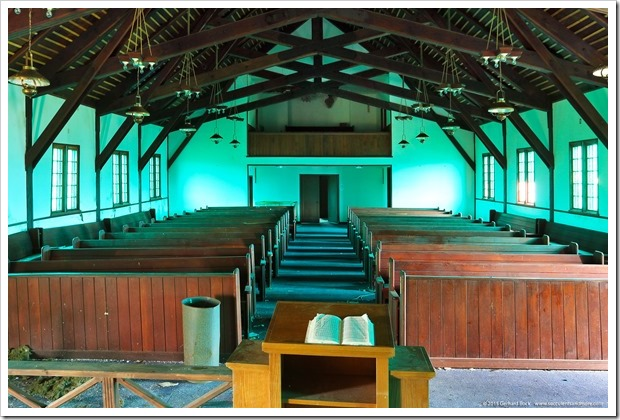150909_Adak_BeringHillChapel_inside_view_from_altar_WM