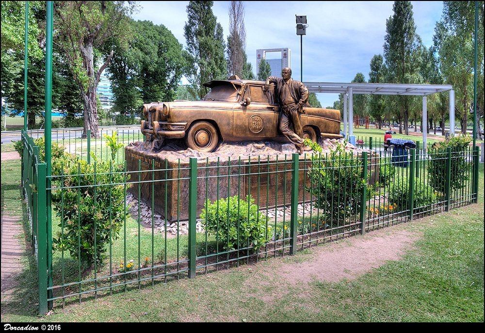 monumento-al-taxista-3