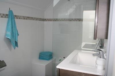vakantiehuisje badkamer.jpg
