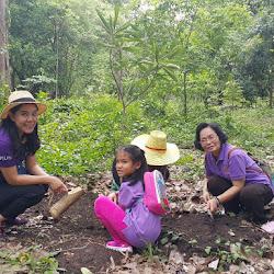OKUS580425 โครงการ ปลูกต้นไม้เฉลิมพระเกียรติ 60 พรรษา สมเด็จพระเทพรัตนราชสุดาฯ  สยามบรมราชกุมารี ณ สวนพฤกษศาสตร์ภาคกลาง (พุแค) จ.สระบุรี 25 เม.ย. 58