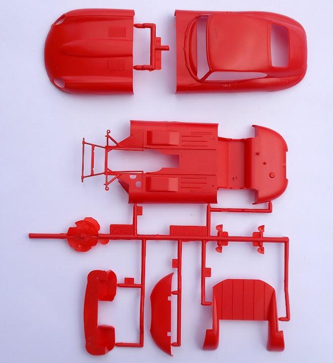 Jaguar type E 3L8 FHC  (heller ) 1/24e ref 80709 Puma%252520et%252520jaguar%252520type%252520e%252520032