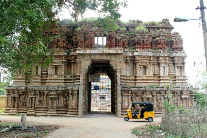 Sri Someswarar Temple, Pazhayarai, Kumbakonam - 275 Shiva Temples