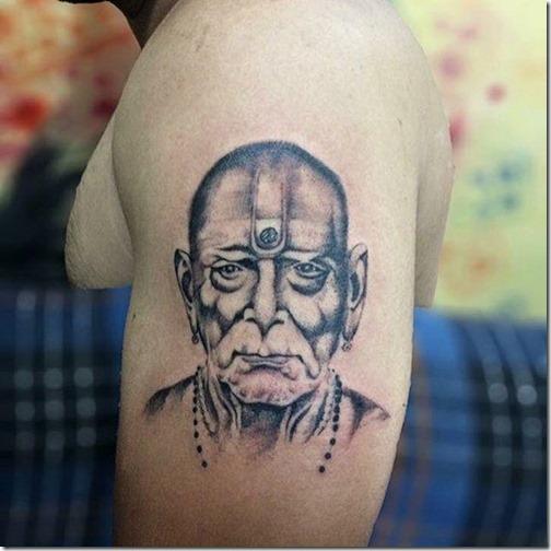 realistico_monje_budista_en_tonos_de_gris