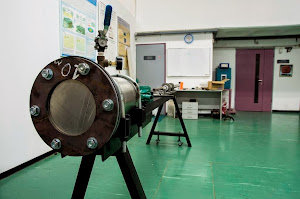 Fluid loaded membrane bulging apparatus for both quasi-static and dynamic loading