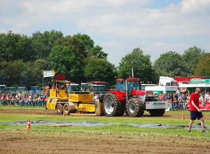 Zondag 22-07-2012 (Tractorpulling) (58).JPG