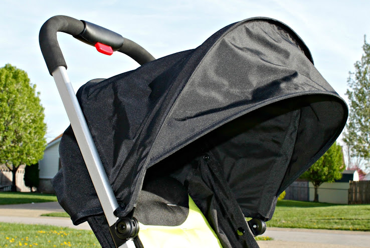 Urbini Hummingbird Stroller has a Full-Sized Canopy #Urbini