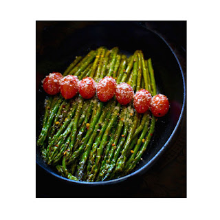 Sauteed Asparagus in Spicy White Wine Sauce + Vacuvita Food Storage.