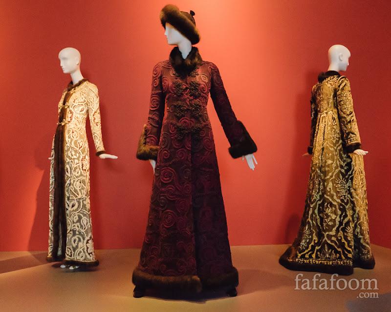 (Left to right) Oscar de la Renta for Pierre Balmain, Evening ensemble: coat and pants, Autumn/Winter 1997 - 1998. Coat, Autumn/Winter 2002 - 2003. Oscar de la Renta for Pierre Balmain, Evening coat, Autumn/Winter 1997 - 1998.