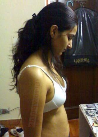 body paint nudist