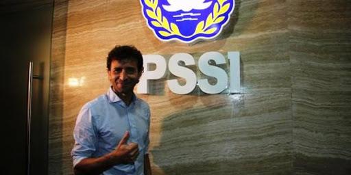 Pelatih Timnas Indonesia saat ini, Luis Milla adalah mantan pemain Barcelona dan Real Madrid. Luis Mila sendiri punya alasan khusus, mengapa dirinya mau menerima tawaran untuk menjadi pelatih timnas Indonesia.