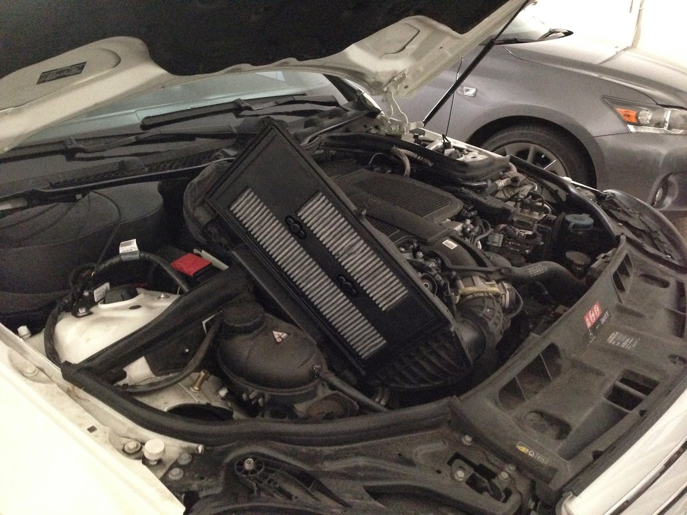 Changing air filter in 2013 c300 sport 4matic mercedes for Mercedes benz e350 air filter replacement