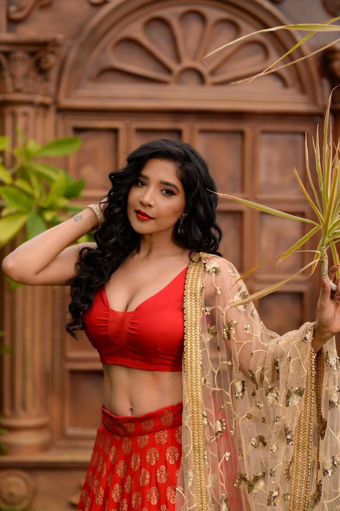 Sakshi Agarwal the beauty in red latest photoshoots
