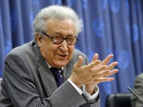 Lakhdar Brahimi : l'UA doit continuer à œuvrer pour le règlement du conflit en Libye