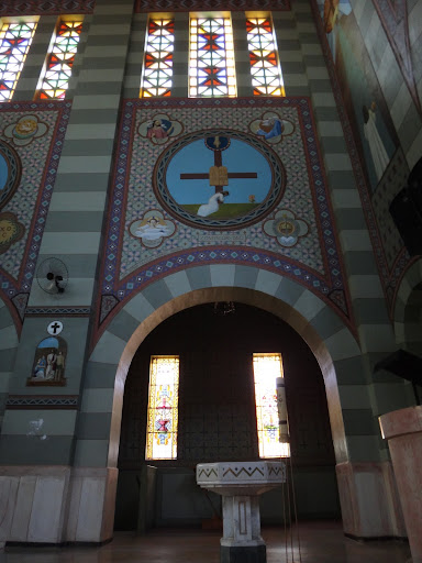 Vista Geral da Capela do Batistério - Acervo voltado para o Rito Penitencial da Santa Missa