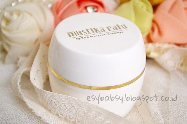 mustika-ratu-bengkoang-whitening-night-cream-review-esybabsy