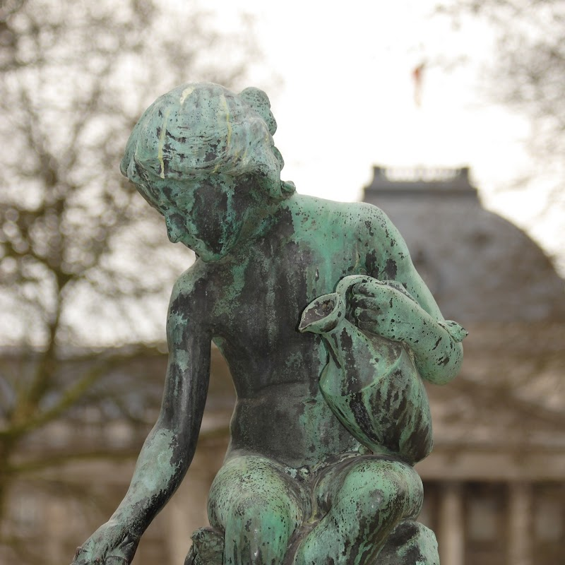 Brussels_062 Parc de Bruxelles Sculpture.jpg