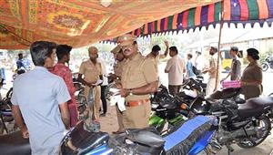 700 people fined for driving without helmet in Vellore today