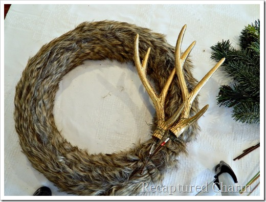 faux fur antler wreath 15