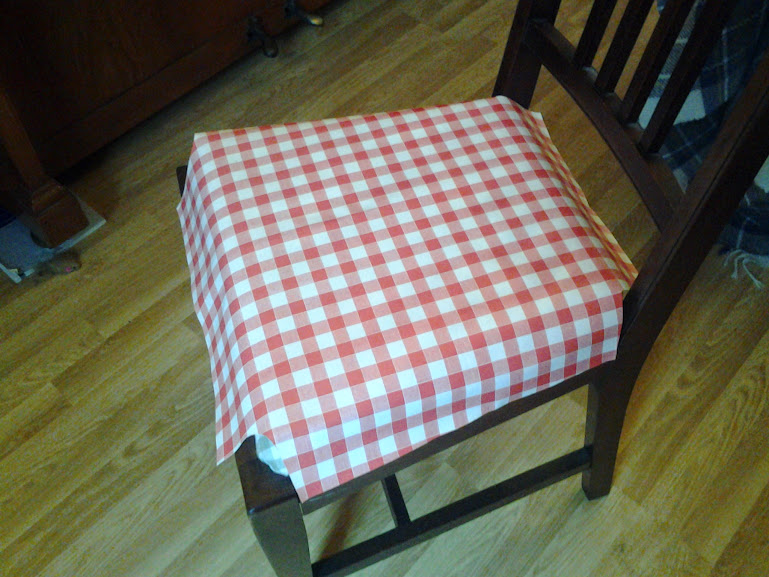 Brilliant Tutorial Oilcloth Dining Chair Covers Level Beginner Beatyapartments Chair Design Images Beatyapartmentscom
