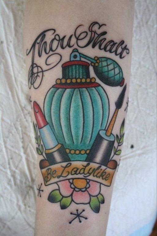 perfumes_e_de_make_up_antebraço_tatuagem