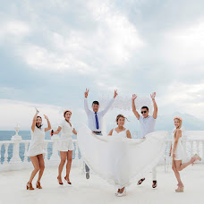 Wedding photographer Olga Emrullakh (Antalya). Photo of 02.10.2018