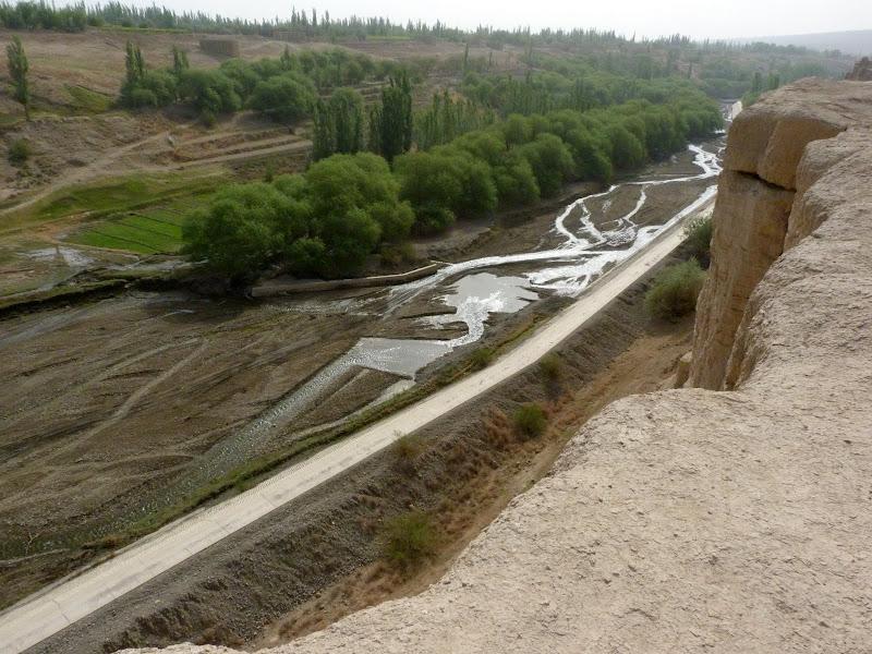 XINJIANG.  Turpan. Ancient city of Jiaohe, Flaming Mountains, Karez, Bezelik Thousand Budda caves - P1270798.JPG