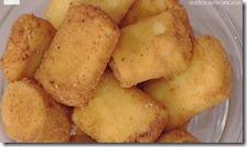 Paccheri fritti ripieni di ricotta e mortadella