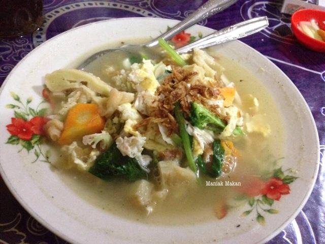 maniak-makan-mie-jawa-bara-arang-padmosari-solo-capjae-jawa-rebus