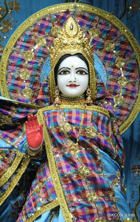 ISKCON Juhu Mangala Deity Darshan 09 April 2016 (40)
