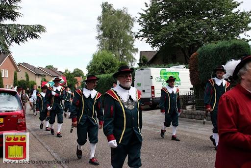 Koningschieten Sint Theobaldusgilde overloon 01-07-2012 (141).JPG