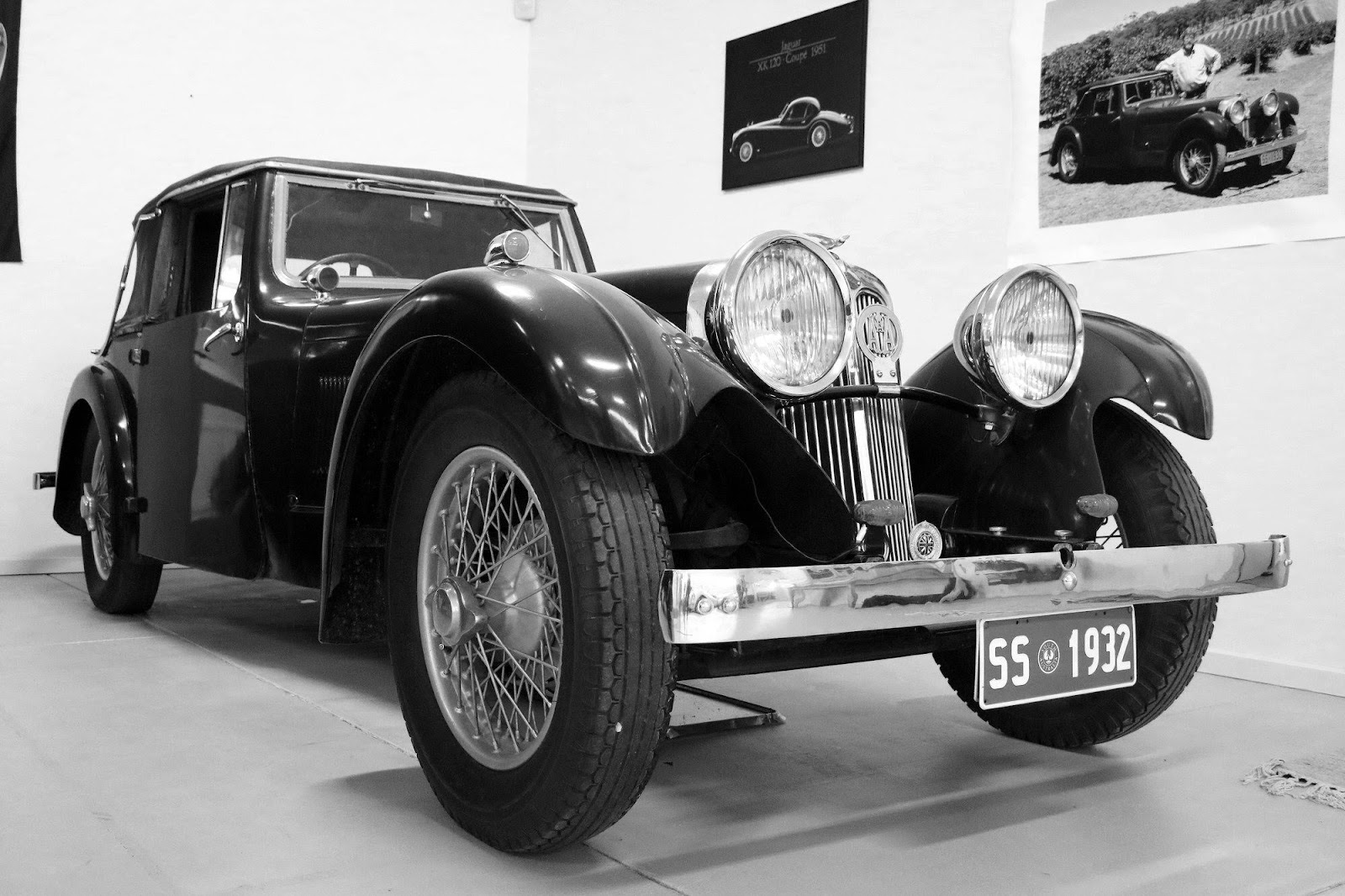 Carl_Lindner_Collection - 1932 SS1 03 B&W.jpg