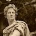 Perayaan Tahun Baru, Persembahan dari Julius Caesar dan Bangsa Romawi Untuk Dewa Janus