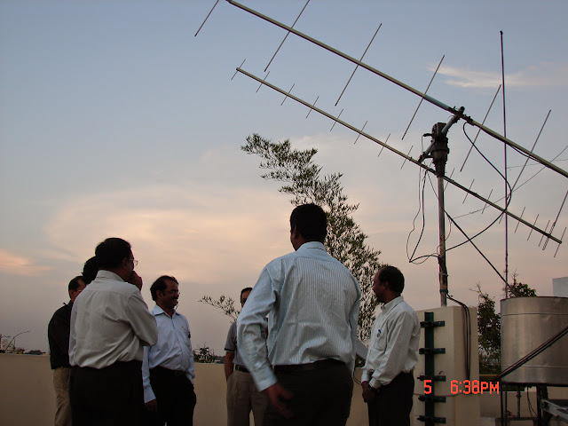Demonstration of Amateur Radio Satellite communication to Mr Annadurai and Mr Raghavamurthy - DSC00134.JPG