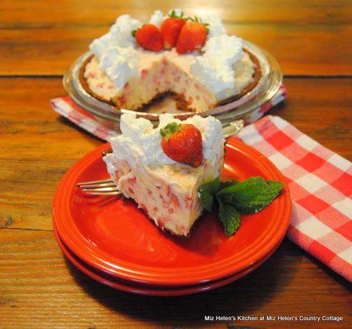 Fresh Strawberry Freezer Pie