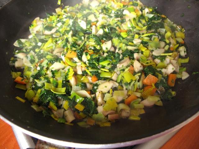 Nadzienie do faszerowania pieczarek (+ cheddar i 1/2 mozzarelli)