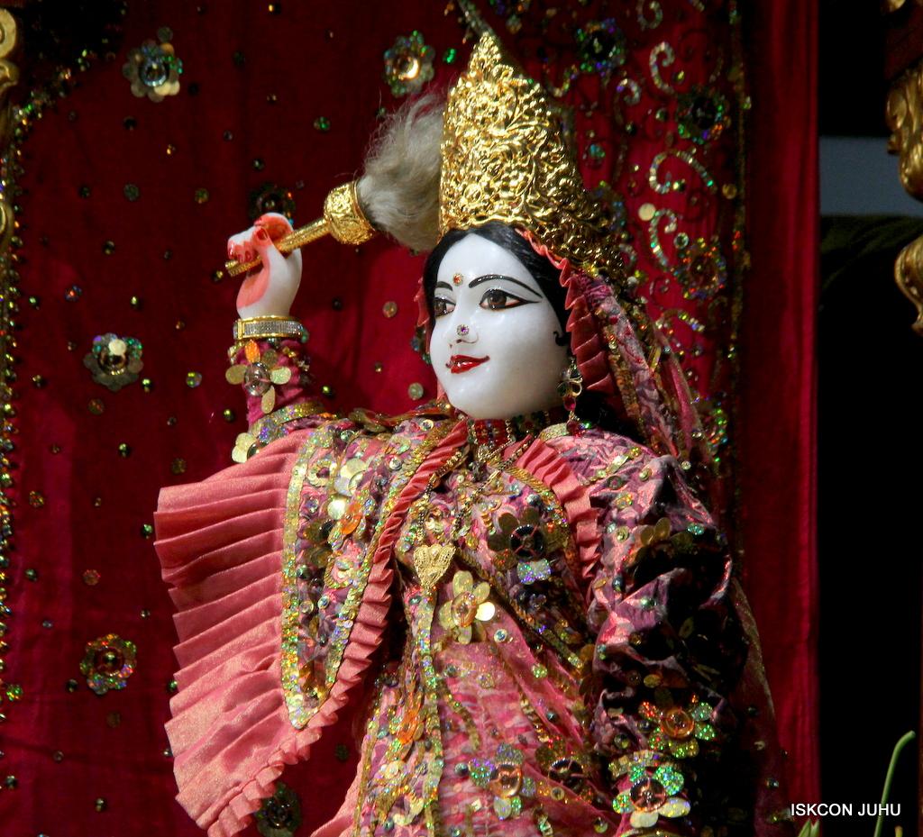 ISKCON Juhu Mangal Deity Darshan on 25th Oct 2016 (22)
