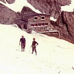 1967.07 Pyrenees,Serradets Hut, Bob Stenhouse & Jack Crewe.jpg