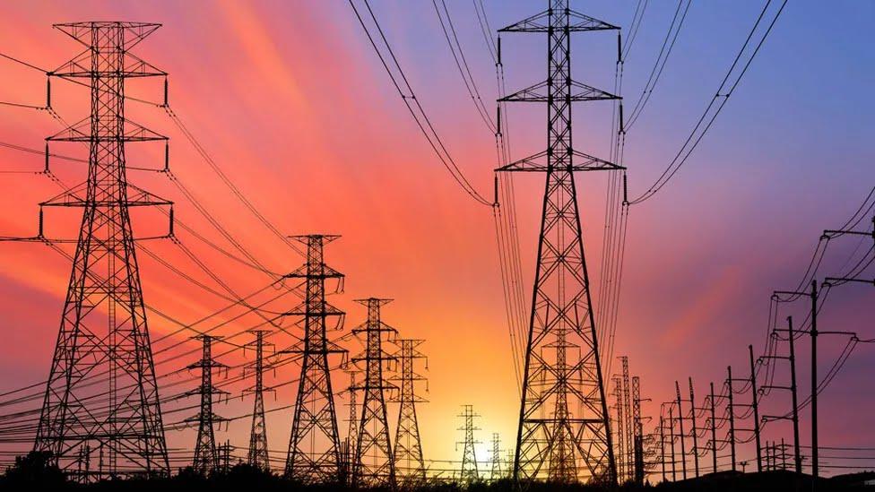 وزارة الطاقة تحذر : المزودون يهددون بقطع الامدادات عن محطات الانتاج الكهربائي!!