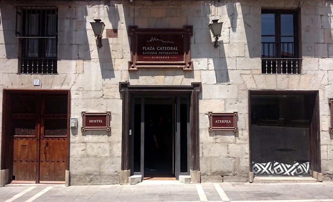 Albergue de peregrinos Plaza Catedral, Pamplona, Navarra, Camino de Santiago