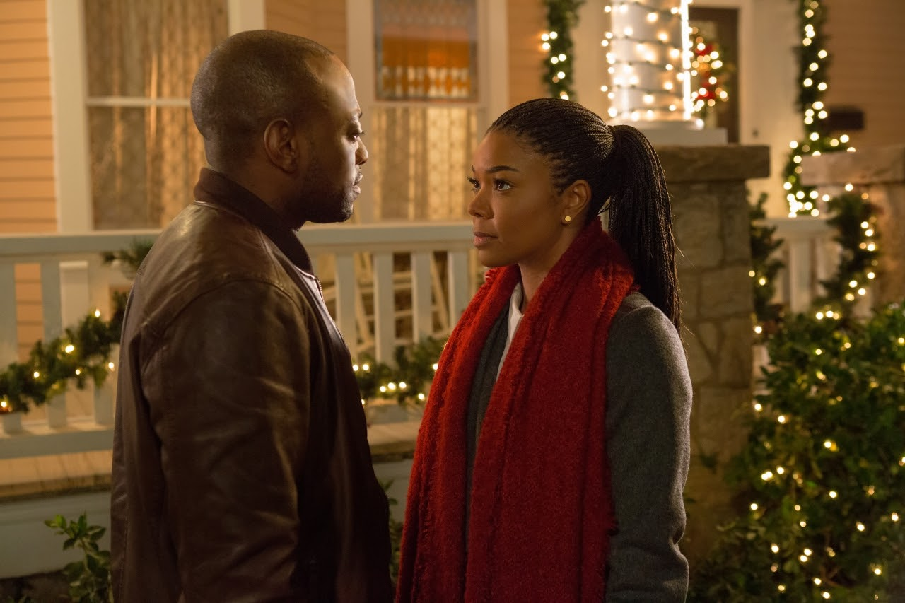 Omar Epps and Gabrielle Union in ALMOST CHRISTMAS. (Photo by Quantrell D. Colbert / courtesy of Universal Pictures).