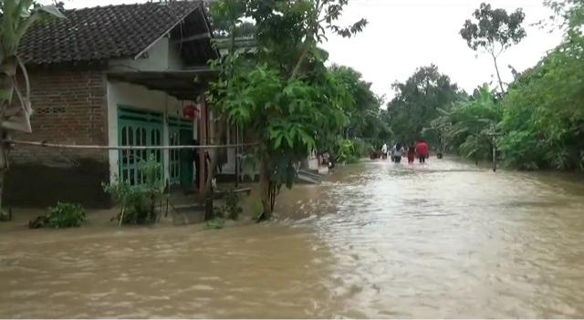 Sungai Gunting Meluap, Empat Desa Terendam