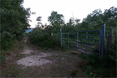 Marca de desvío en el portón