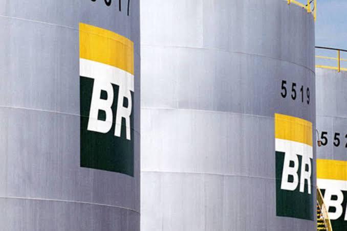 Petrobras anuncia nova alta nos preços da gasolina, diesel e gás de cozinha.