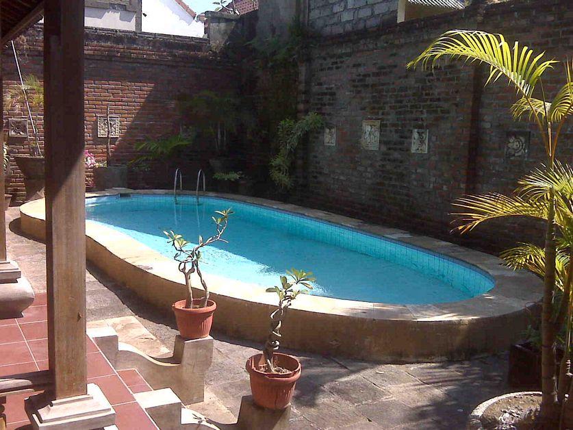 model rumah ada paviliun dan kolam renang terbaru