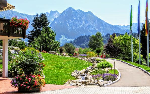 Am Scheid Obermaiselstein Kurpark, Haus des Gastes Blick Nebelhorn Rubihorn Gaisalphorn