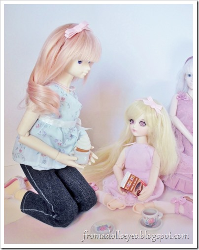 Two ball jointed dolls getting a little too creative with their tea.