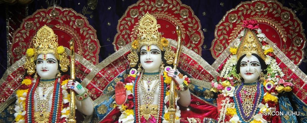 ISKCON Juhu Sringar Deity Darshan on 1st May 2016 (28)